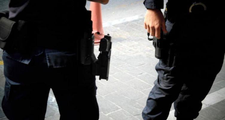 Αγρίνιο: Τρεις δράστες φόρτωσαν μεταλλικό σιλό σε φορτηγό Ι.Χ.