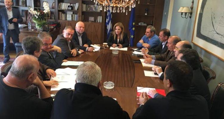 Ευρεία σύσκεψη στην Π.Ε. Αιτ/νίας για τον ορισμό των ενδιάμεσων εκπτωτικών περιόδων του έτους 2018