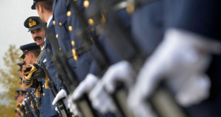 Αναδρομικά επιδόματα 2.500 ευρώ διεκδικούν οι ένστολοι – Ποια η διαδικασία
