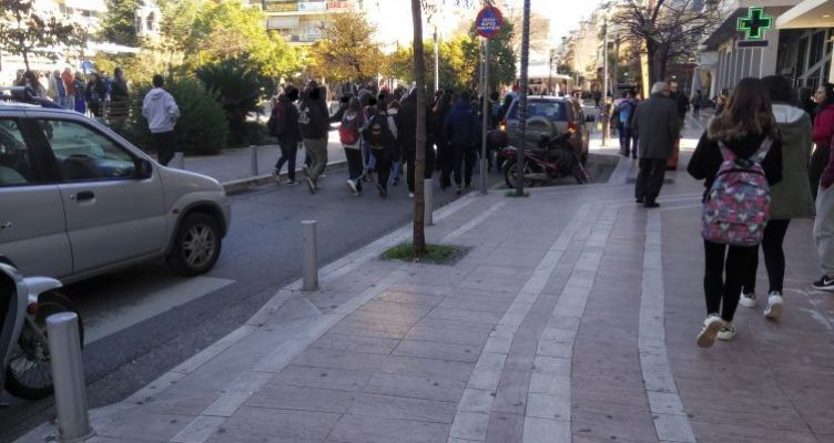 Μαθητική πορεία στο Αγρίνιο για τον Αλέξη Γρηγορόπουλο (Φωτό)