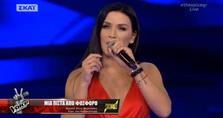 The Voice: Αποχώρηση-σοκ μετά από μία συγκλονιστική ερμηνεία για την Κωνωπινιώτισσα Ιουλία Καλλιμάνη (Βίντεο-Φωτό)