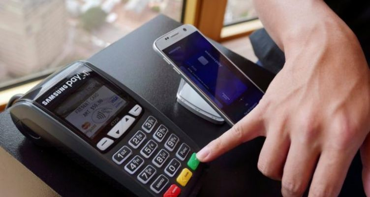 Συναλλαγές πάνω από 200 ευρώ μόνο με κάρτα – Μετρητά… τέλος