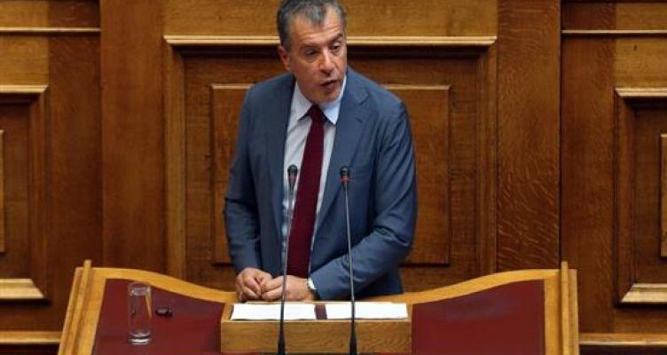 Σταύρος Θεοδωράκης: Δεύτερος σταθμός του βαν η Πάτρα