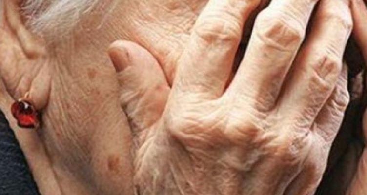 Ναύπακτος: Ηλικιωμένη χτύπησε με σιδερόβεργα γειτόνισσά της