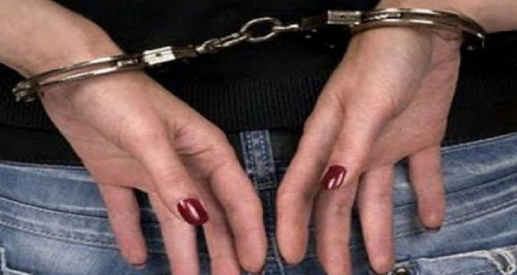 Μεσολόγγι: Χειροπέδες σε 60χρονη για κλοπή 700 ευρώ