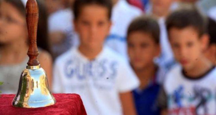 Συγκλονίζει μαθητής Δημοτικού από την Πάτρα: Δεν έχει παπούτσια να πάει σχολείο