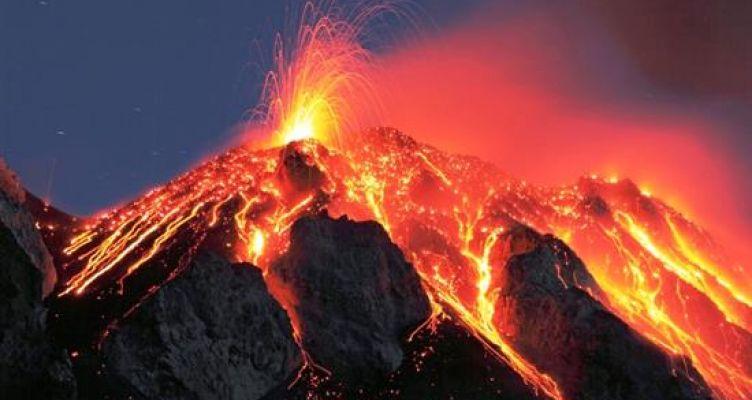 Προειδοποιούν ηφαιστειολόγοι για τα ηφαίστεια σε Σαντορίνη και Κω – Οι κίνδυνοι