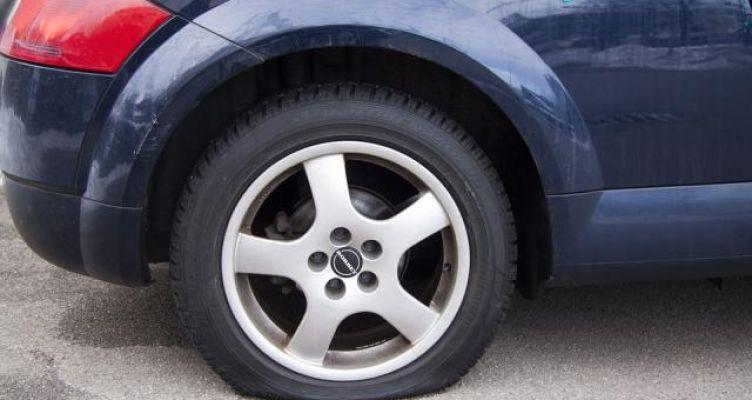 Μεσολόγγι: Άγνωστοι διέρρηξαν αυτοκίνητο στο Ευηνοχώρι