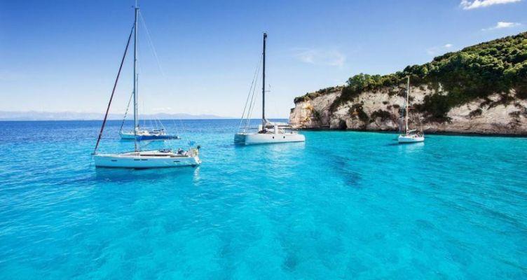 Τα Ιόνια νησιά «βουλιάζουν» από τουρίστες – Αύξηση κατά 15,7% στις αφίξεις