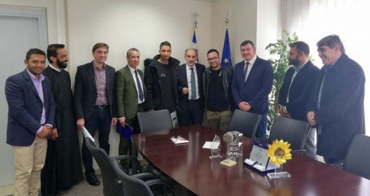 Συνάντηση του Απ. Κατσιφάρα με εκπροσώπους των Ρομά