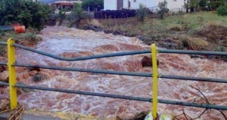 Ναύπακτος: Πλημμύρισε ο Τζάβαρης στο Ξηροπήγαδο (Βίντεο)