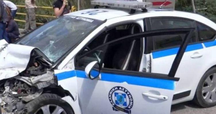 Σταθμευμένο περιπολικό του Αιτωλικού τράκαρε οδηγός άλλου αυτοκινήτου