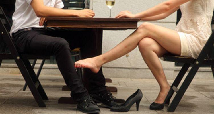 Ο σύζυγος κρύφτηκε στη ντουλάπα και περίμενε τη γυναίκα του – Σκηνές απείρου κάλλους σε δύο δόσεις!