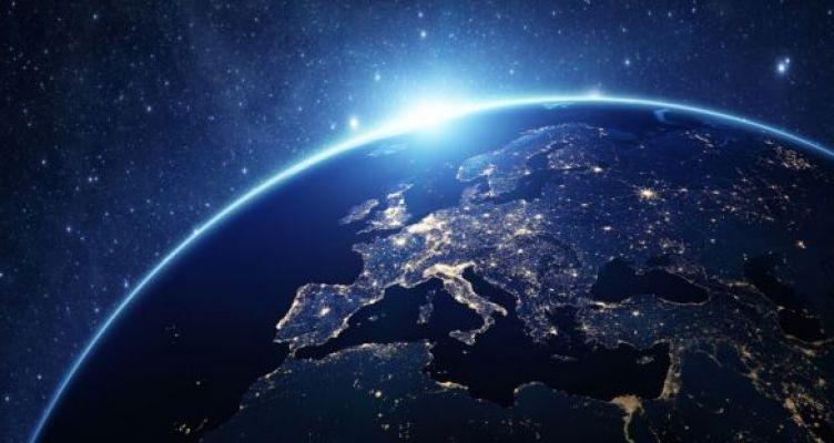 Επενδύσεις ύψους 20 δις ευρώ στην Τεχνητή Νοημοσύνη επιδιώκει η Ε.Ε.