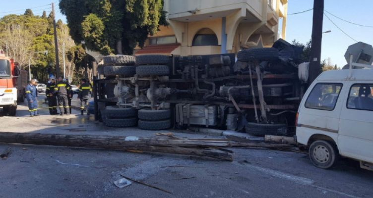 Αγρίνιο: Βυτιοφόρο συγκρούστηκε με αυτοκίνητο – Νέο τροχαίο στο ίδιο ακριβώς σημείο