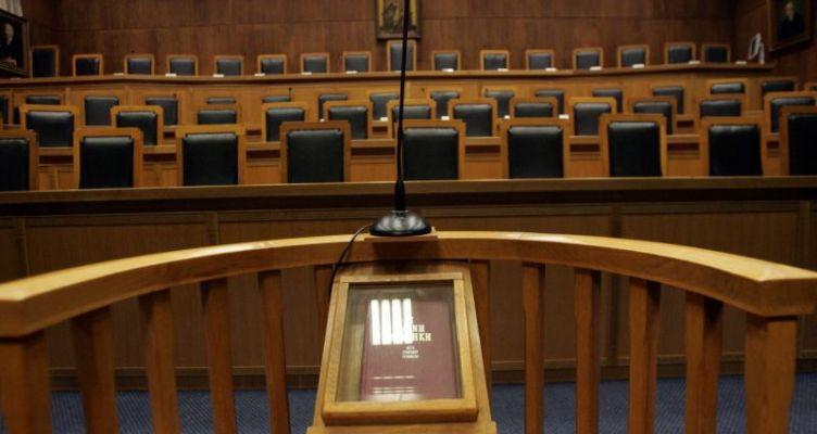 Αιτωλικό: Αναβλήθηκε η δίκη για τον καφέ που πέταξαν Ροµά στον Π. Σταράμο