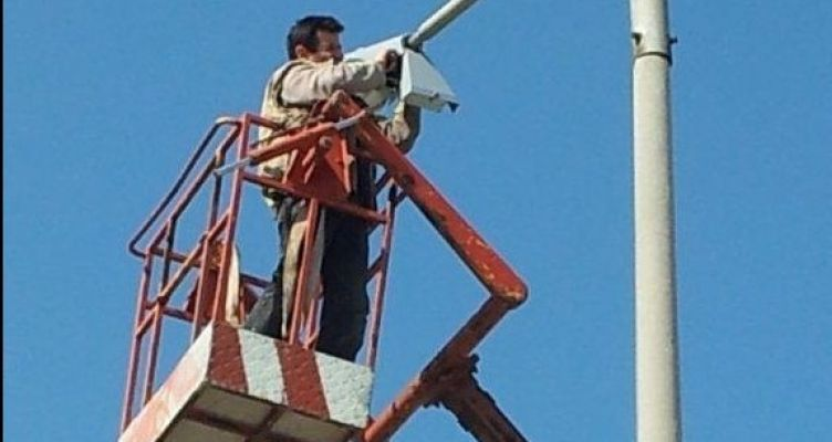 Αγρίνιο: Εργασίες επισκευής στο δίκτυο ηλεκτροφωτισμού