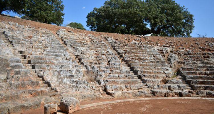 Εντάχθηκε η αποκατάσταση των Αρχαίων Θεάτρων Πλευρώνας και Οινιαδών