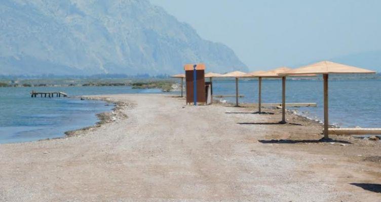 Διαμόρφωση χώρου ιαματικών λουτρών Αγίας Τριάδας και καθαρισμός άμμου παραλίας Τουρλίδας Μεσολογγίου