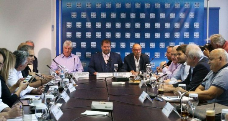 Super League: «Δεκαέξι ομάδες φέτος, για δεκατέσσερις του χρόνου»