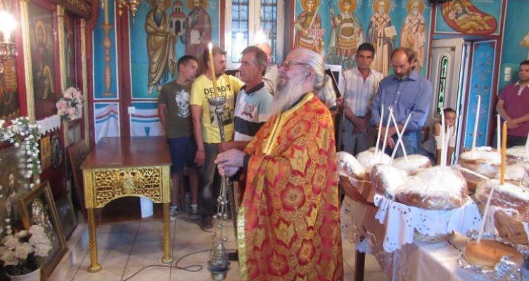 Εσπερινός στον Ιερό Ναό Αγίων Αναργύρων Λαγκάδας Μενιδίου (Βίντεο-Φωτό)