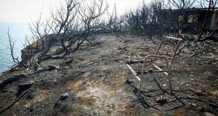 Πυρκαγιές Αττικής: Κατέληξε μία γυναίκα εγκαυματίας 95 ετών – Στους 91 οι νεκροί