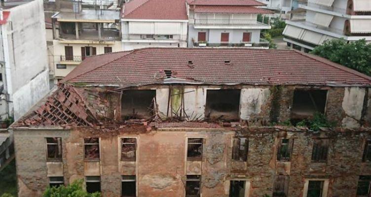 Κατάρρευση του υπόλοιπου τμήματος της σκεπής του κτηρίου καπναποθηκών Ηλιού