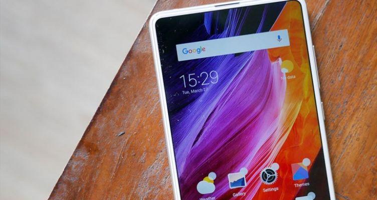 Xiaomi Mi MIX 3: Μόλις έκανε την πρώτη «ζωντανή» του εμφάνιση