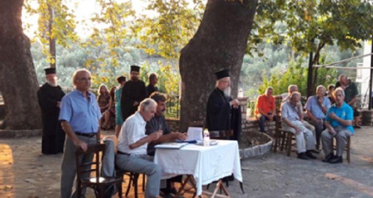 Μεγάλη επιτυχία είχε η παρουσίαση του βιβλίου Χρ. Σιάσου, κάτω από τον πλάτανο του Αη Συμιού