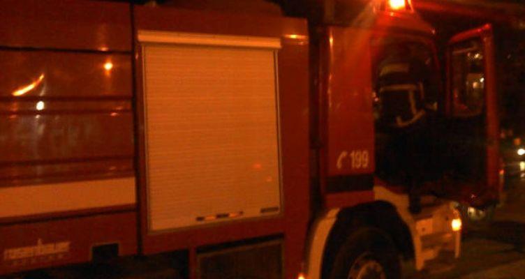 Καινούργιο Αγρινίου: Κουζίνα παραλίμνιου μαγαζιού τυλίχθηκε στις φλόγες