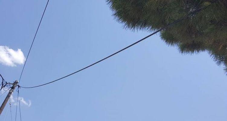 Καταγγελία για επικίνδυνo καλώδιο της Δ.Ε.Η. στον Αστακό (Φωτό)