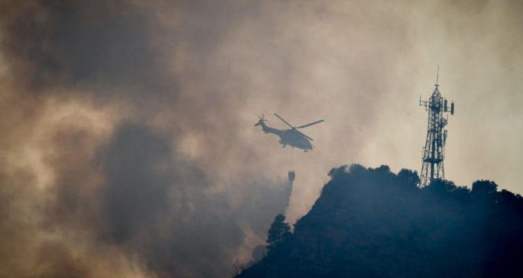 Φωτιά σε δασική έκταση στην Καψοράχη Μακρυνείας (Βίντεο)