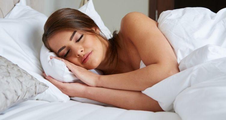 Μόνο το 8% των ανθρώπων κοιμούνται γυμνοί