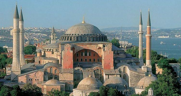 Η Αγιά Σοφιά θα παραμείνει μουσείο – Απορρίφθηκε το αίτημα να γίνει τζαμί