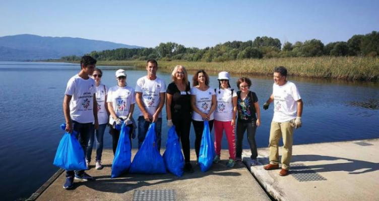 Ακτίνα Εθελοντισμού: Καθαρισμός σημείων της ε.ο. Αγρινίου-Θέρμου