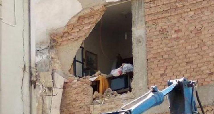 Ένταση σε κατεδάφιση παράνομου κτίσματος στο Αιτωλικό (Βίντεο-Φωτό)
