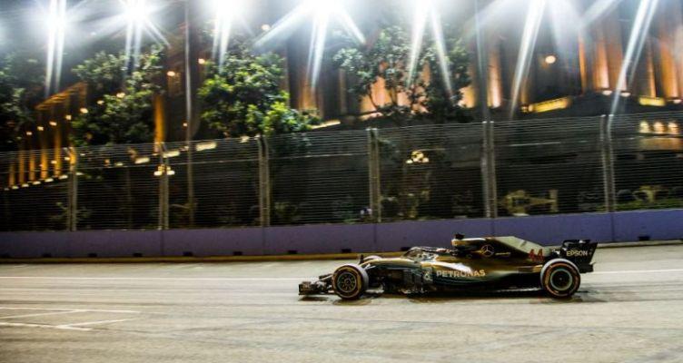 F1 GP Σιγκαπούρης: Νίκη… μισός τίτλος για τον Λιούις Χάμιλτον