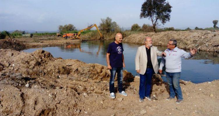 Προχωρούν τα έργα καθαρισμού στην τάφρο Δίμηκου στην Αιτ/νία