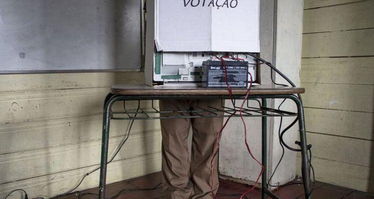 Βραζιλία: Σε αναζήτηση συμμαχιών για τον β' γύρο