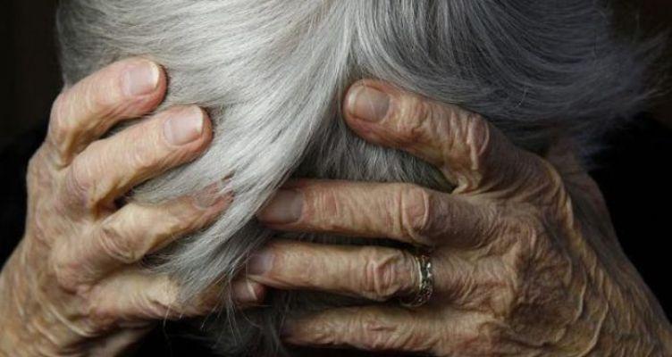 Άγριος ξυλοδαρμός 86χρονης στο Μεσολόγγι από 16χρονο