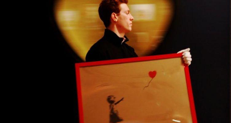 Καρέ-καρέ η καταστροφή πίνακα ζωγραφικής που είχε μόλις πουληθεί για 1 εκατ. λίρες! (Βίντεο)