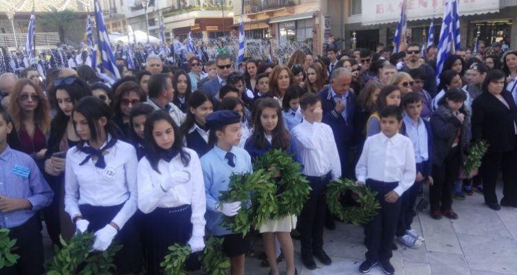 Αγρίνιο-Πλατεία Δημάδη: Επιμνημόσυνη δέηση και κατάθεση στεφάνων για την επέτειο της 28ης Οκτωβρίου (Φωτό)