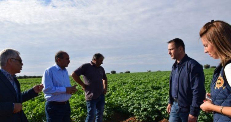 Κατσιφάρας: Ραχοκοκαλιά της ανάπτυξης της υπαίθρου οι Ελληνίδες αγρότισσες (Βίντεο)