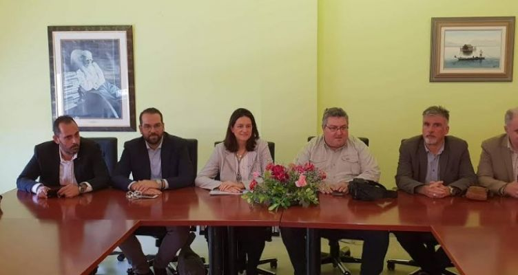 Συνάντηση του Αγρινιώτη υποψήφιου Π.Δ.Ε. Νεκτάριου Φαρμάκη με την κ. Κεραμέως