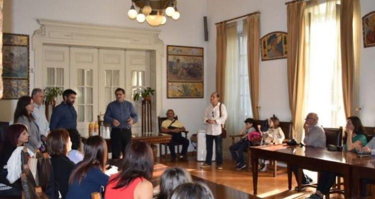 Μαθητές και εκπαιδευτές από σχολεία του εξωτερικού επισκέφτηκαν τον Δήμαρχο Πατρέων