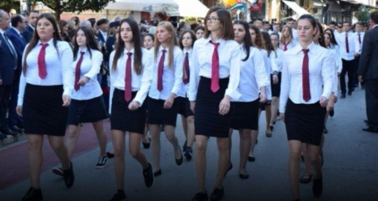 Ναύπακτος: Φωτογραφίες από τη μαθητική παρέλαση της 28ης Οκτωβρίου