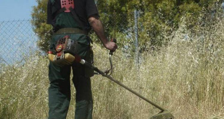 Εργασίες καθαρισμού αγροτεμαχίων και οικοπέδων στο Δήμο Ιεράς Πόλεως Μεσολογγίου