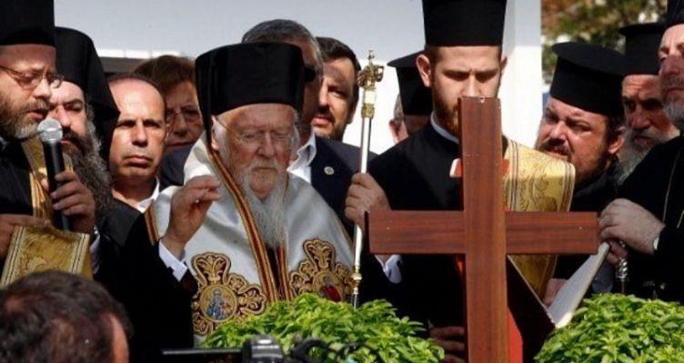 Τρισάγιο στο Μάτι τέλεσε ο Οικουμενικός Πατριάρχης – Τι είπε στον τραγικό πυροσβέστη