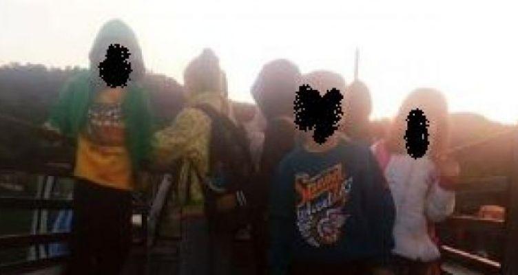 Ορεινός Βάλτος: Μεταφορά μαθητών Δημοτικού στο σχολείο τους πάνω σε καρότσα αγροτικού