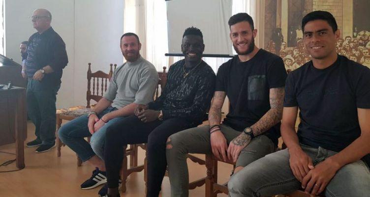 Παίχτες του Παναιτωλικού επισκέφτηκαν το 1ο Γυμνάσιο Αγίου Κωνσταντίνου Αγρινίου (Φωτό)